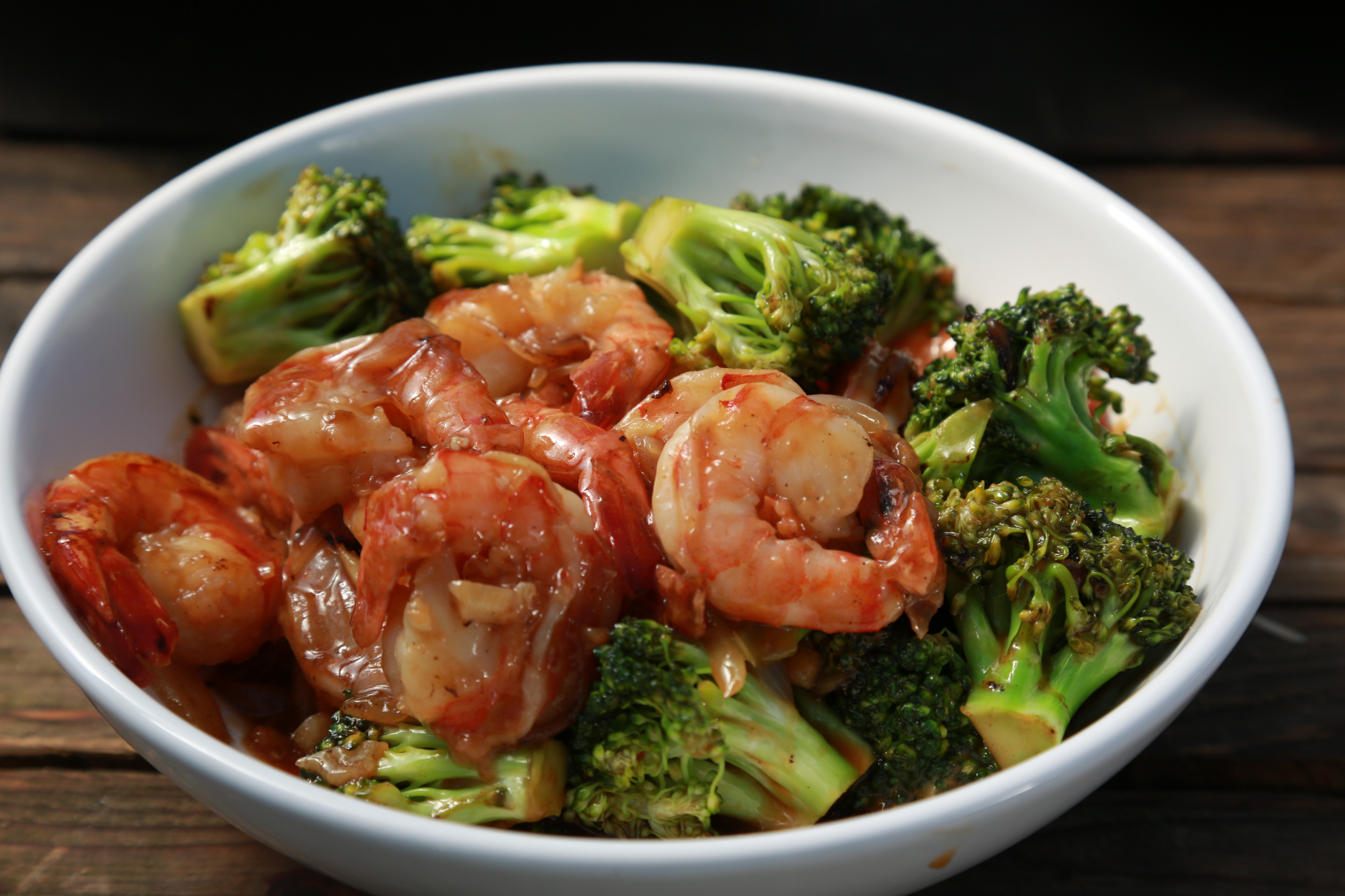 Smažené krevety s brokolicí