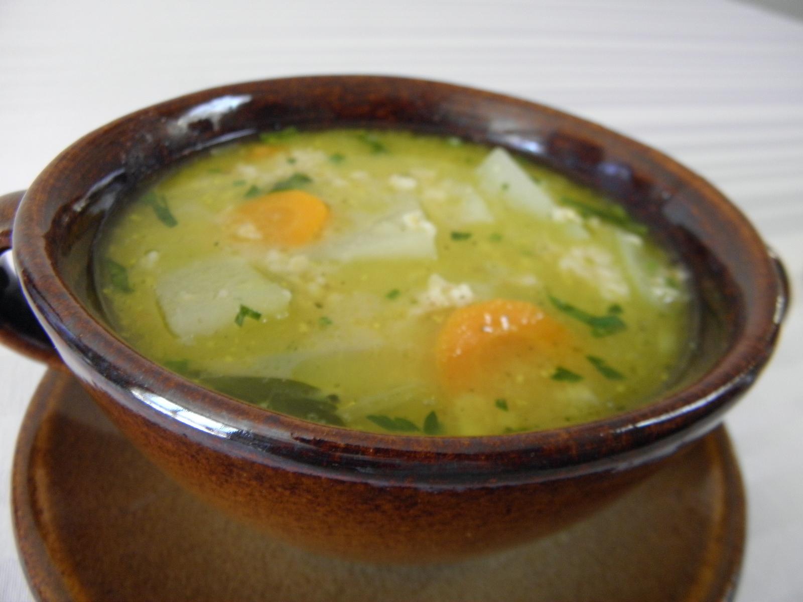 Lehká polévka s kedlubnou a vločkami