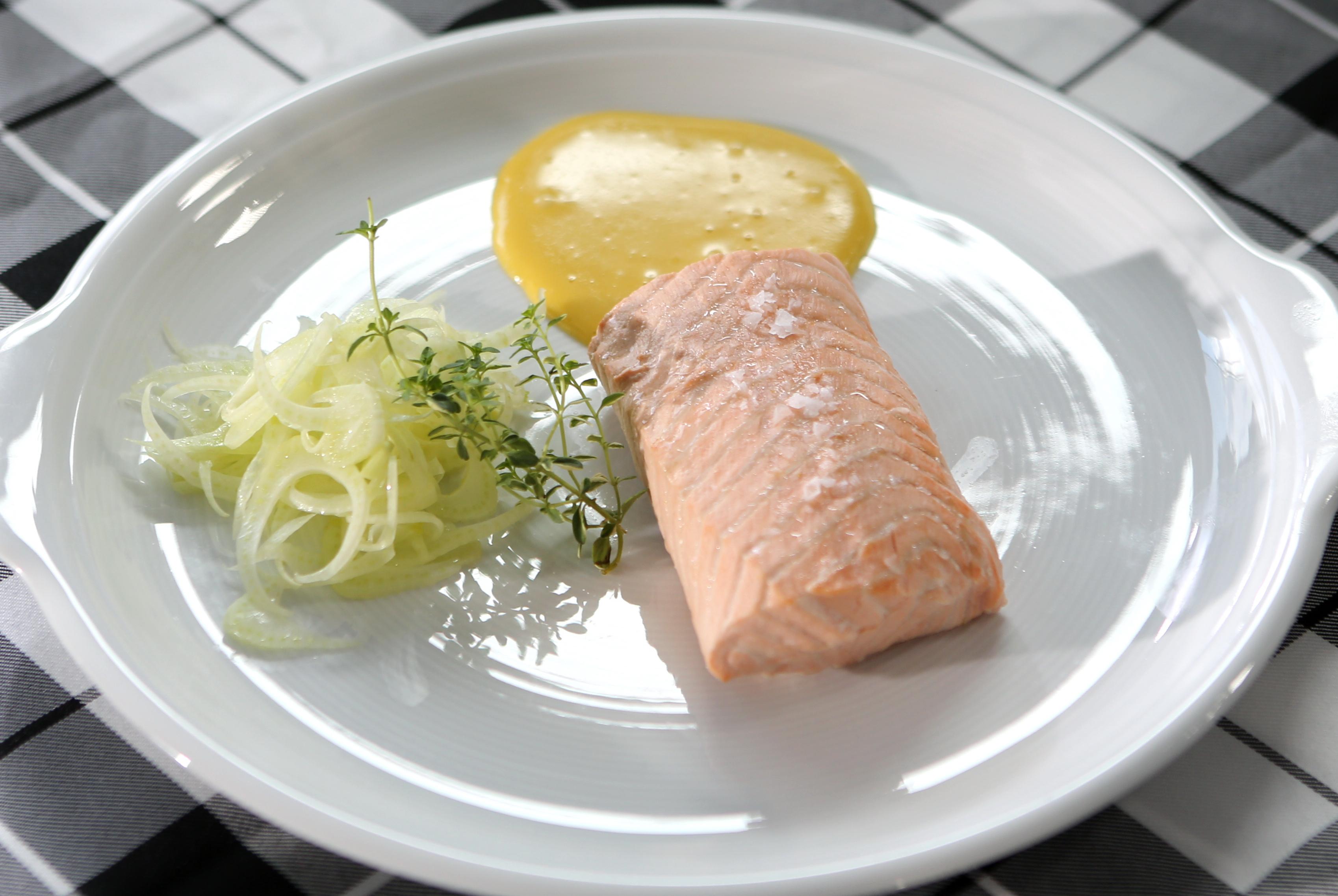 Pošírovaný losos s citronovou majonézou