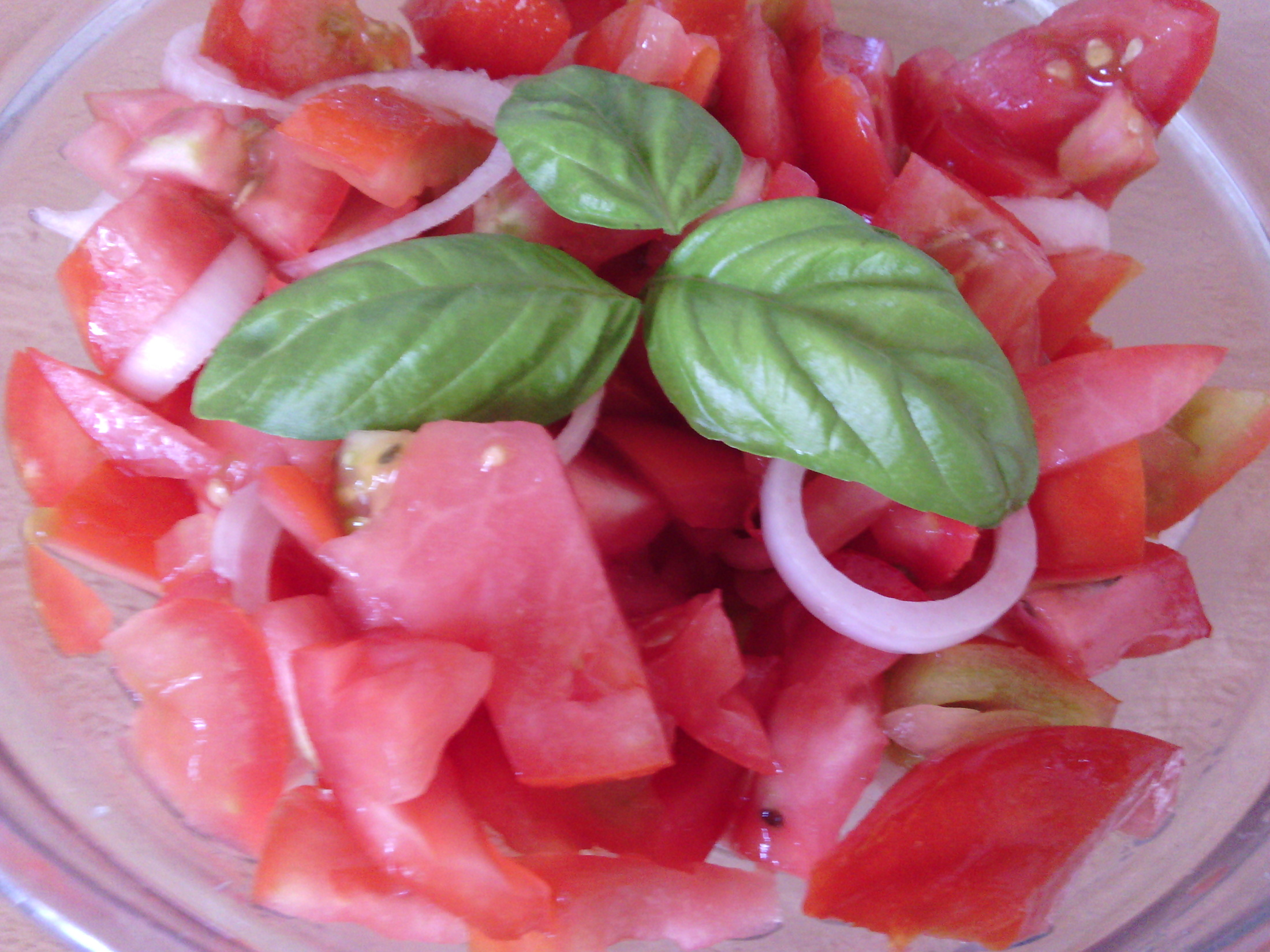 Rajčatový salát s balsamikovým octem