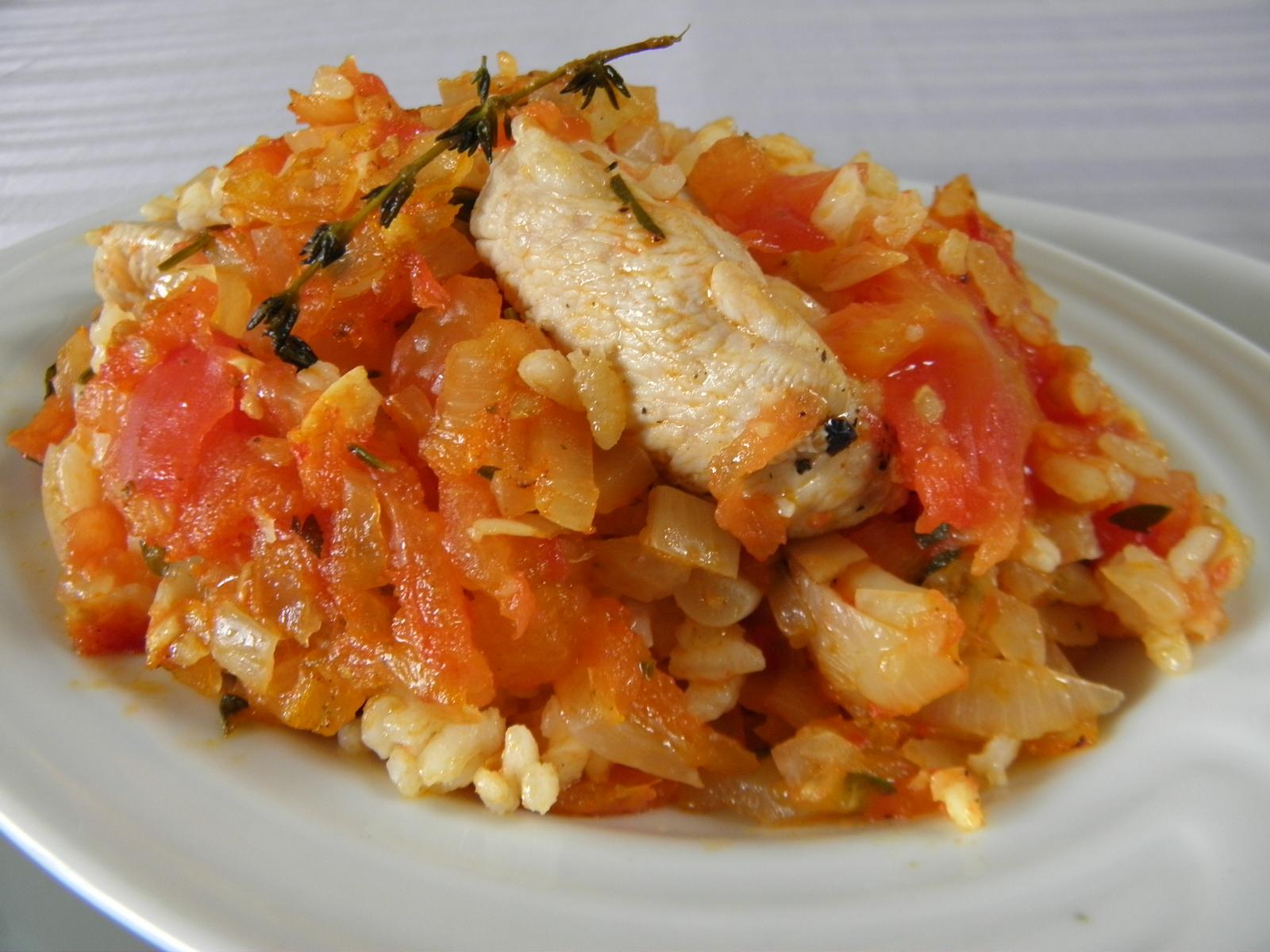 Rajčatová rýže s krůtím masem