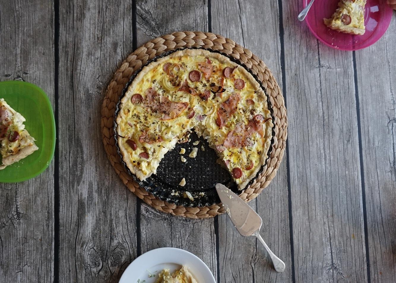 Jednoduchý hrnkový slaný koláč