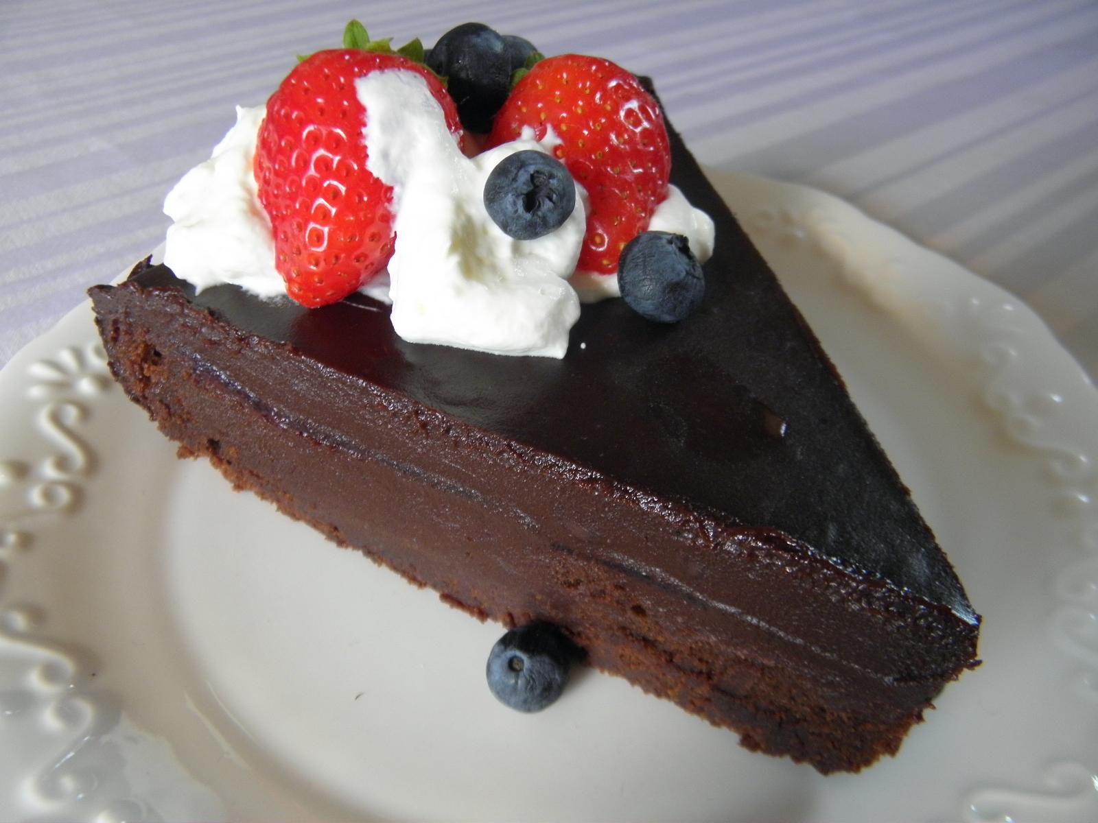 Čokoládový dort s lesním pyré