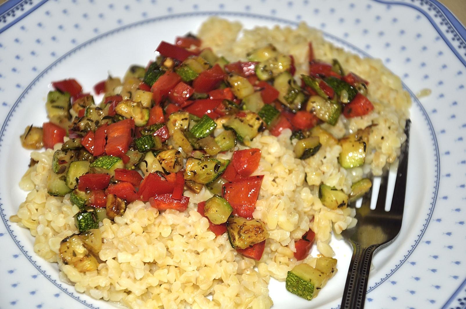 Bulgur s restovanou zeleninou