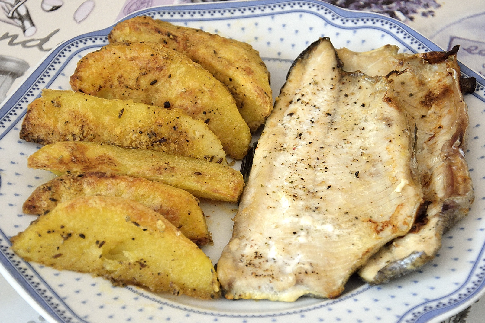 Pstruh s pikantními brambory