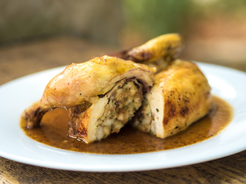 Pečené kuře s chutnou nádivkou
