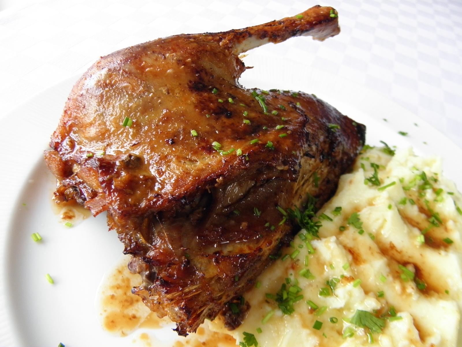 Husokachna s ricottovou bramborovou kaší