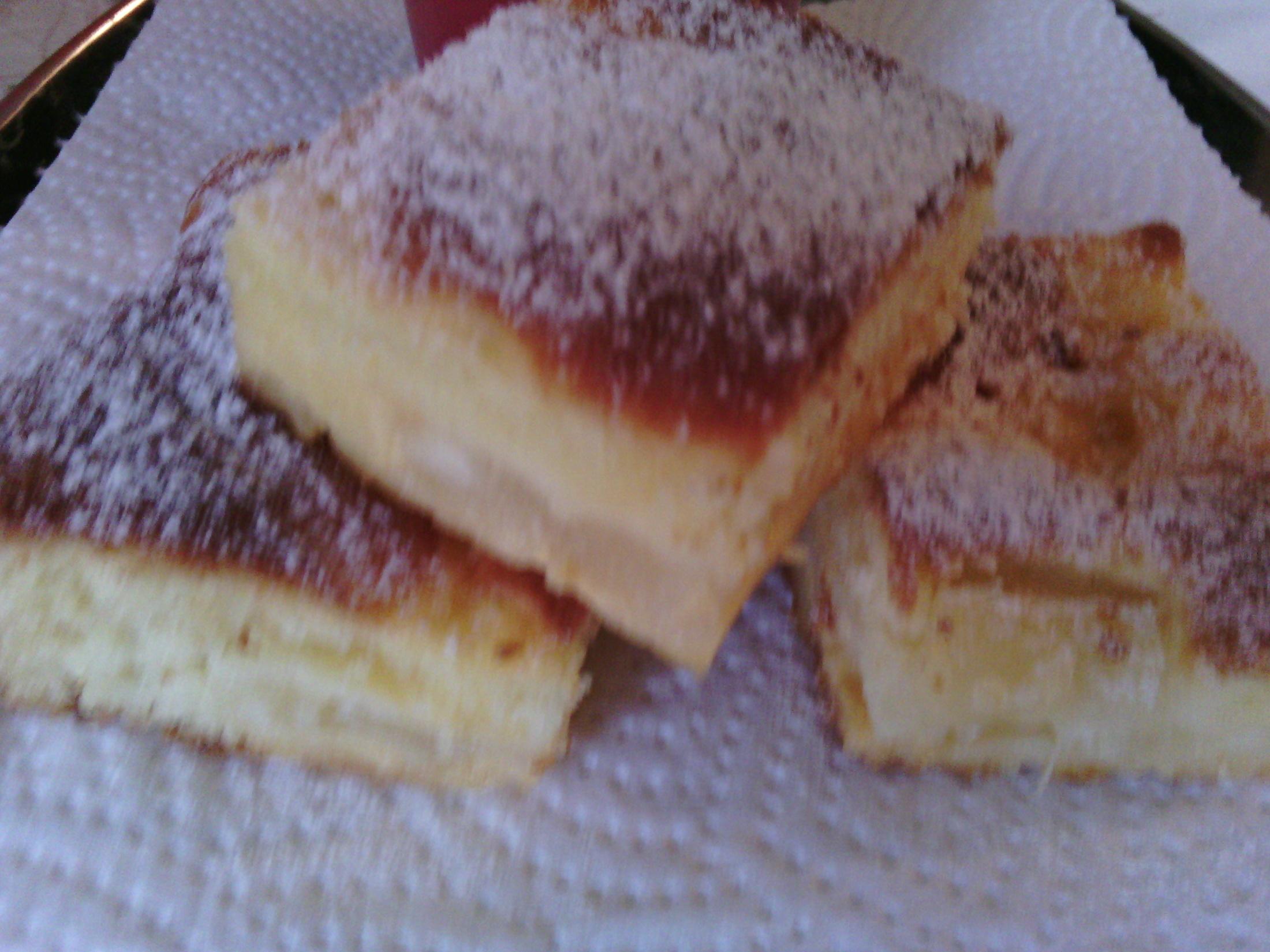 Fotografie receptu: Jemný moučník s jablkem a ananasem