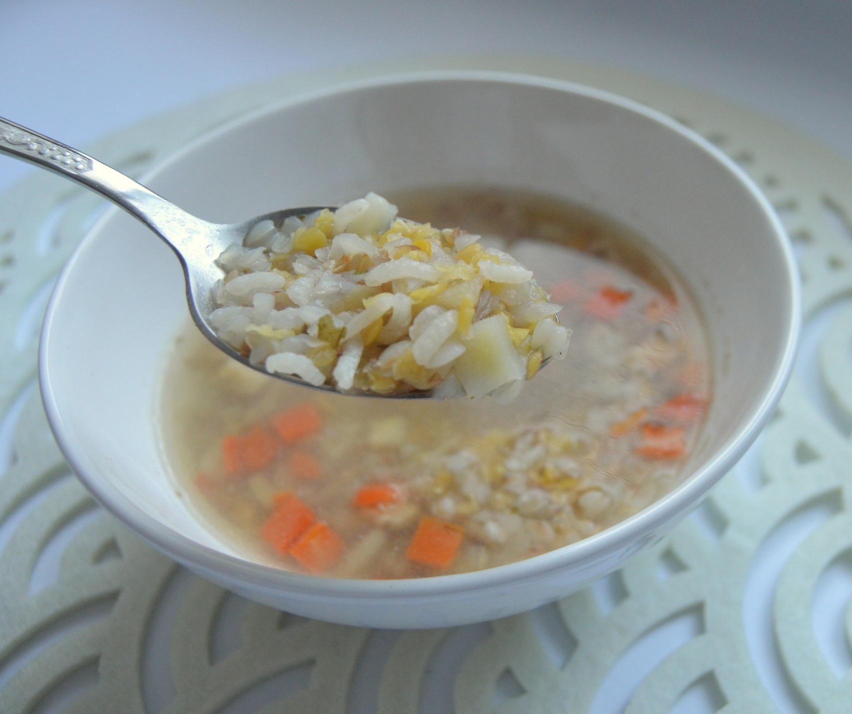 Lehká zeleninová polévka s pohankou
