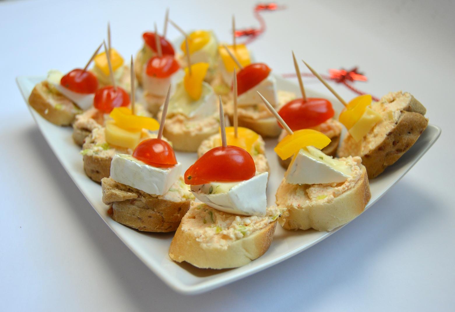 Silvestrovské jednohubky se sýrovou pomazánkou