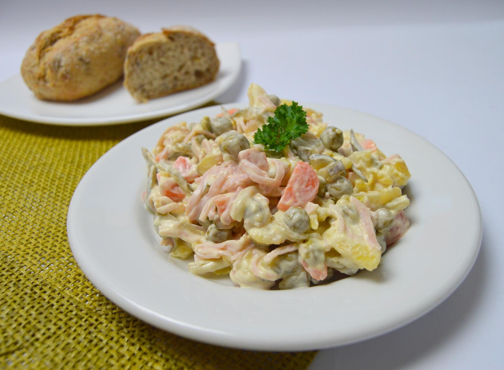 Fotografie receptu: Domácí vlašský salát podle maminky