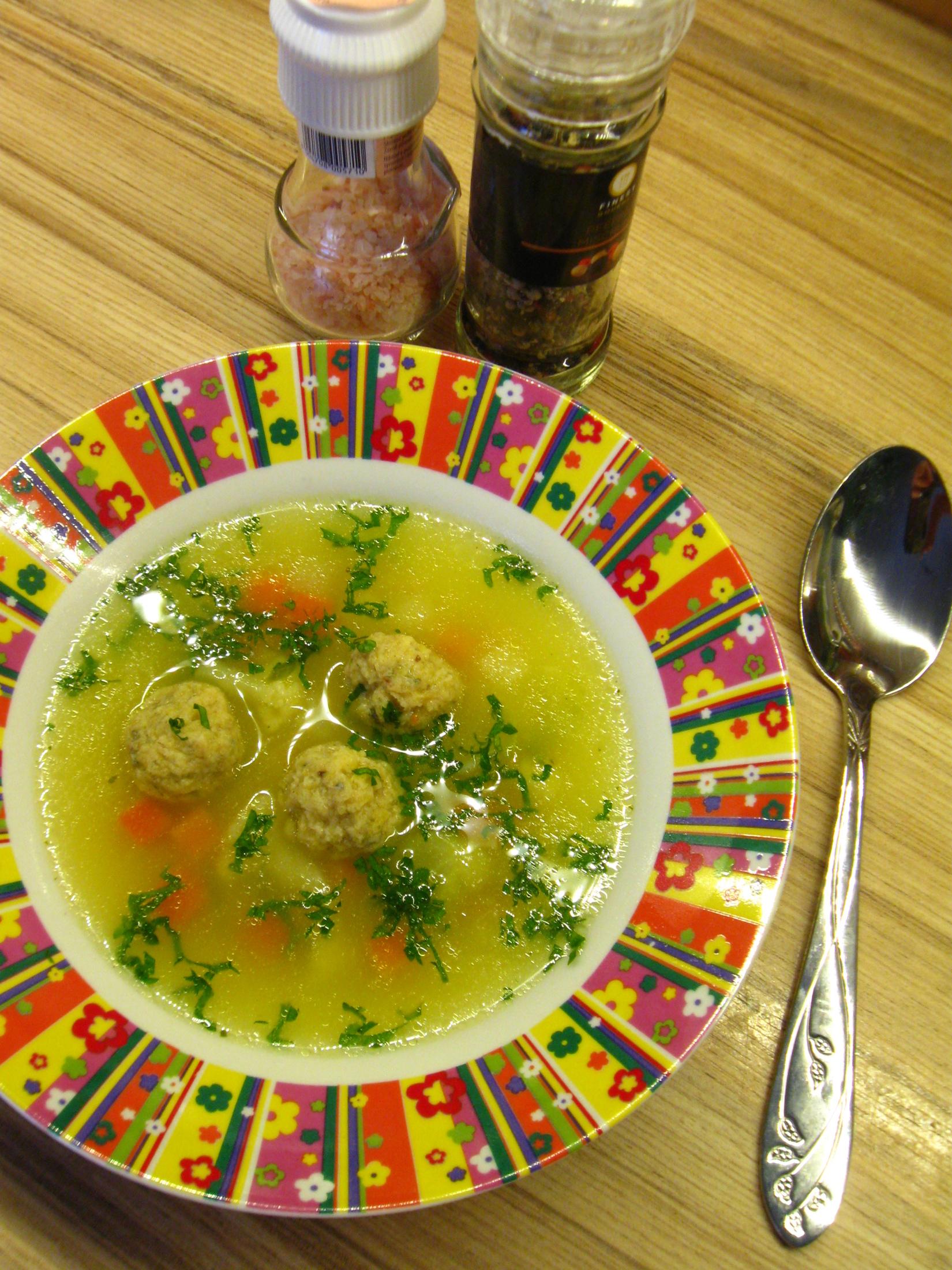 Fotografie receptu: Polévka s bezlepkovými drožďovými knedlíčky