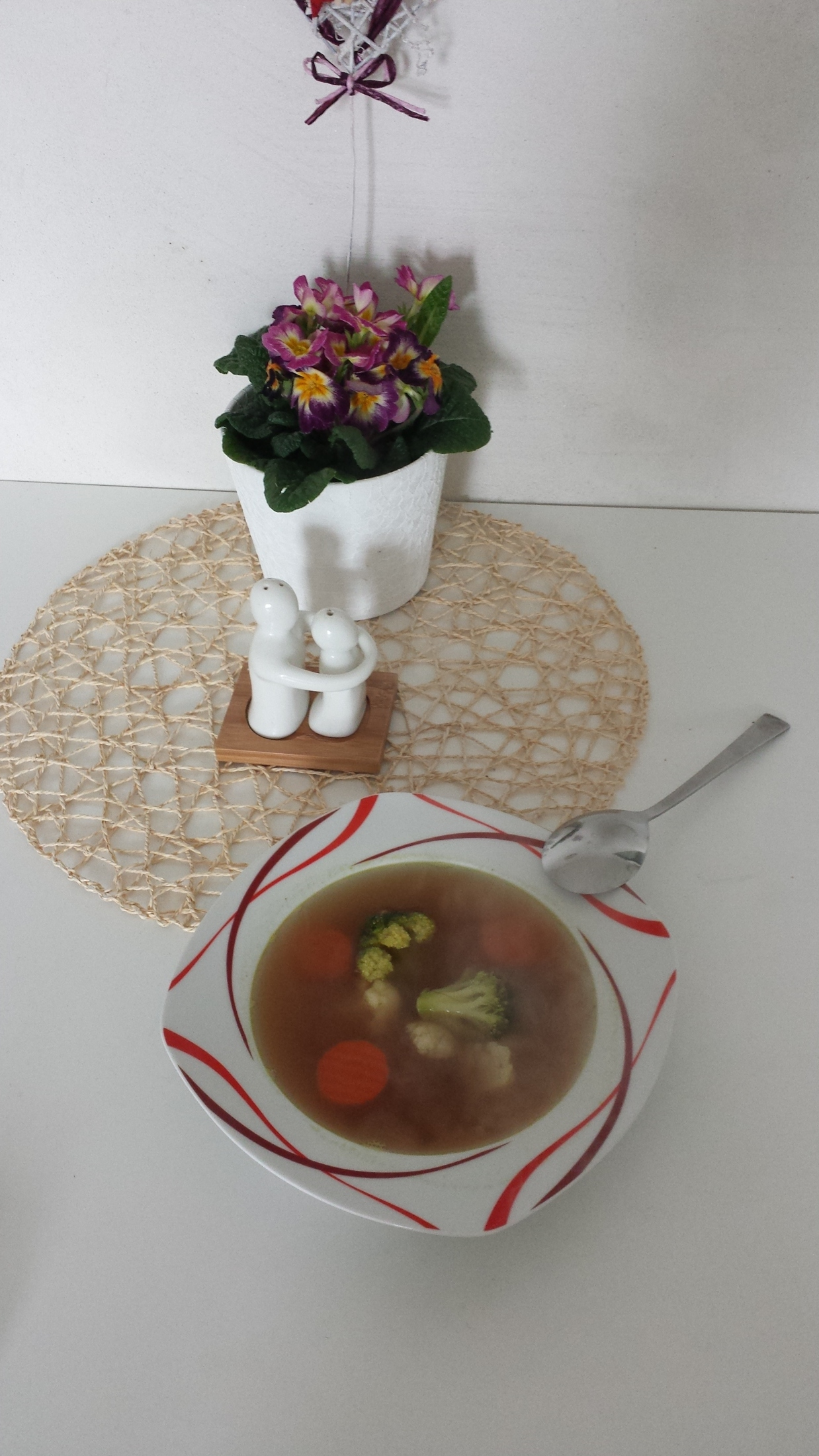 Jednoduchá zeleninovo-luštěninová polévka