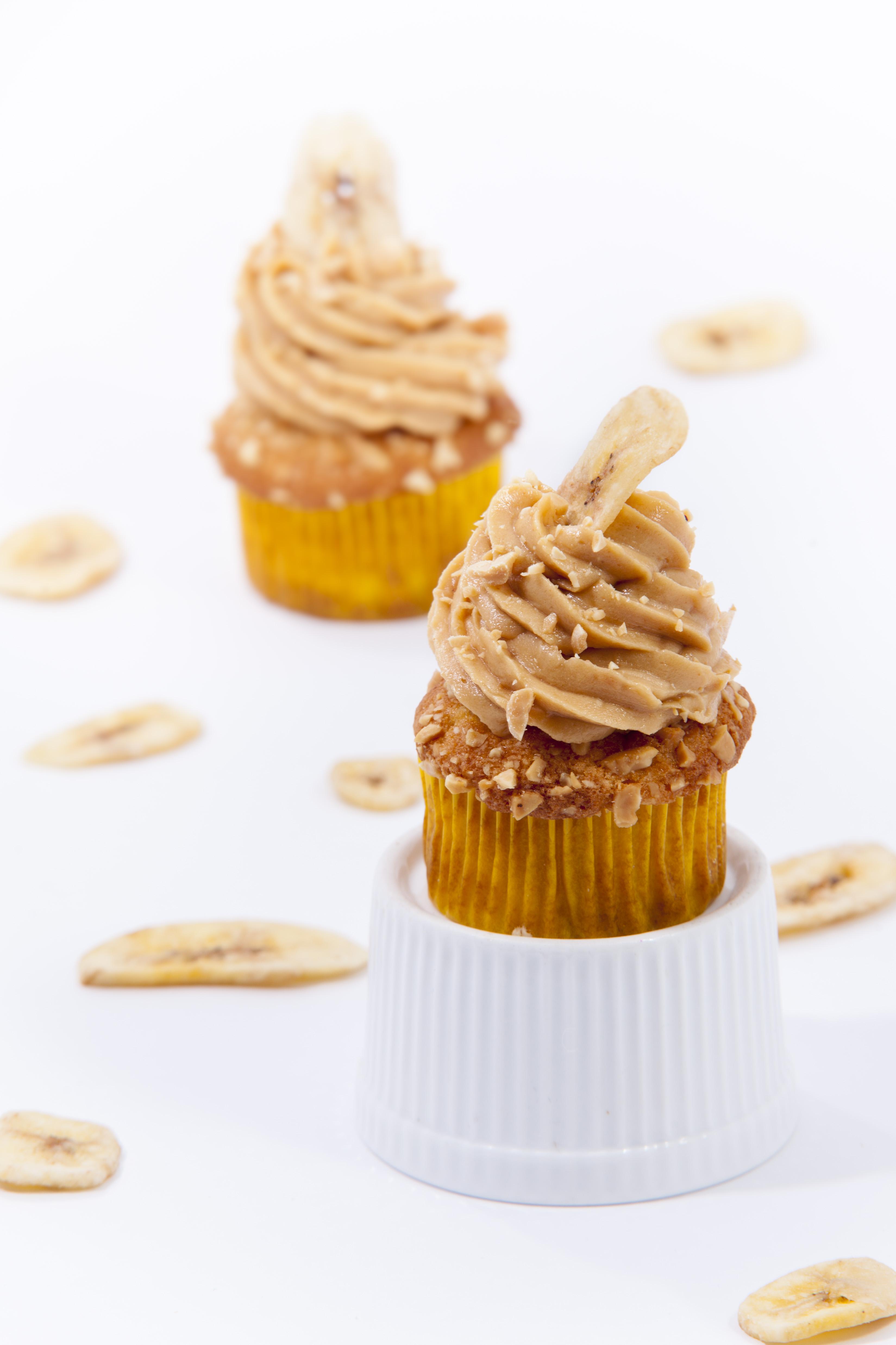 Fotografie receptu: Banánové cupcakes s arašídovým krémem