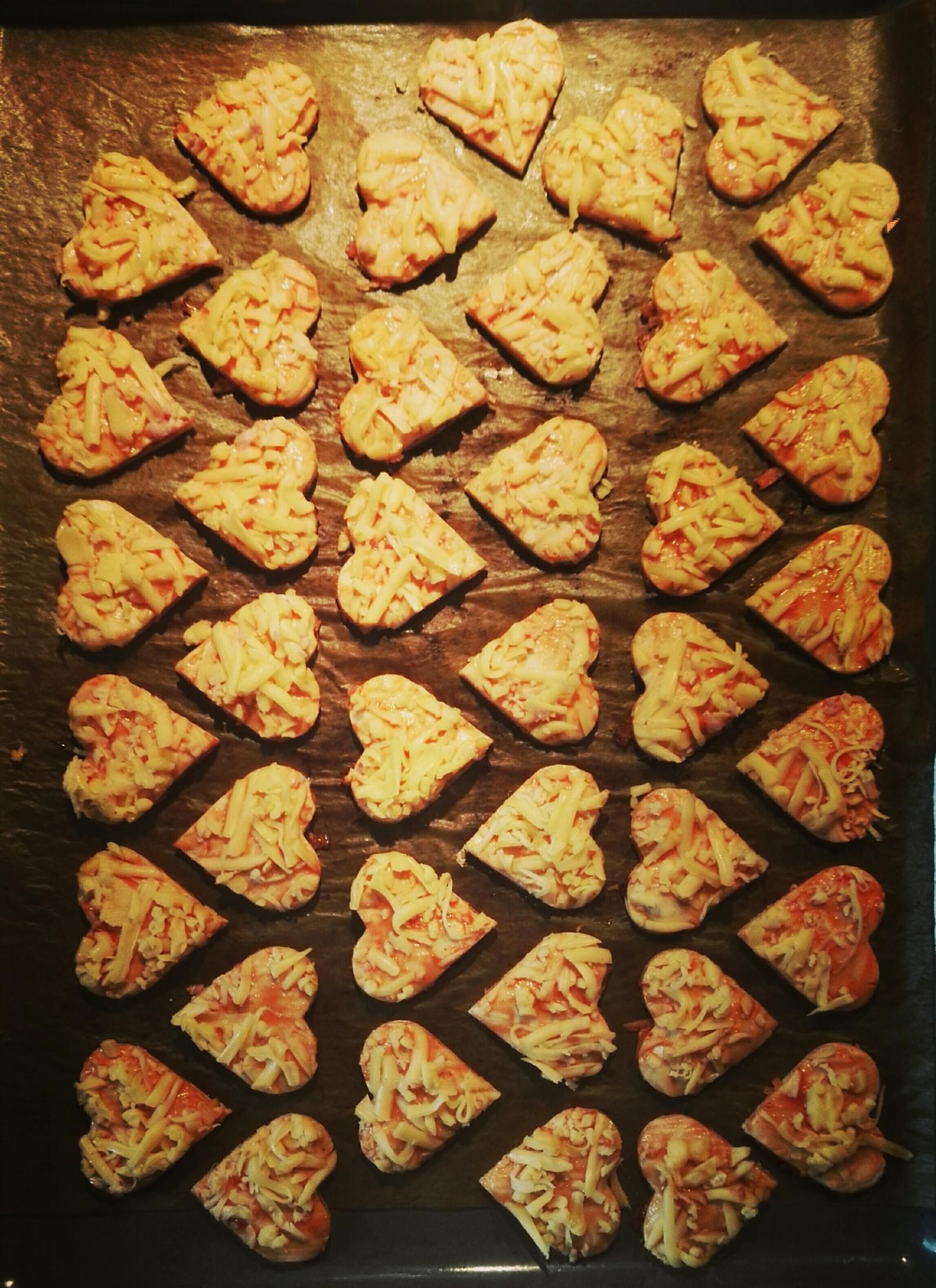 Fotografie receptu: Slaná srdíčka z listového těsta