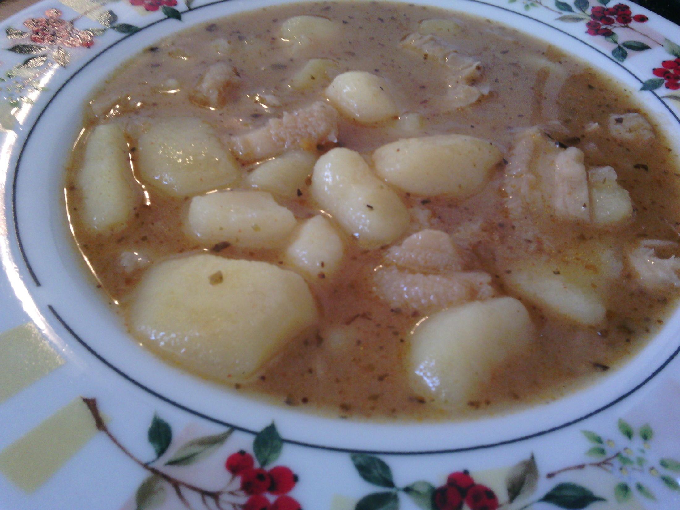 Dršťková polévka s uzenou slaninou