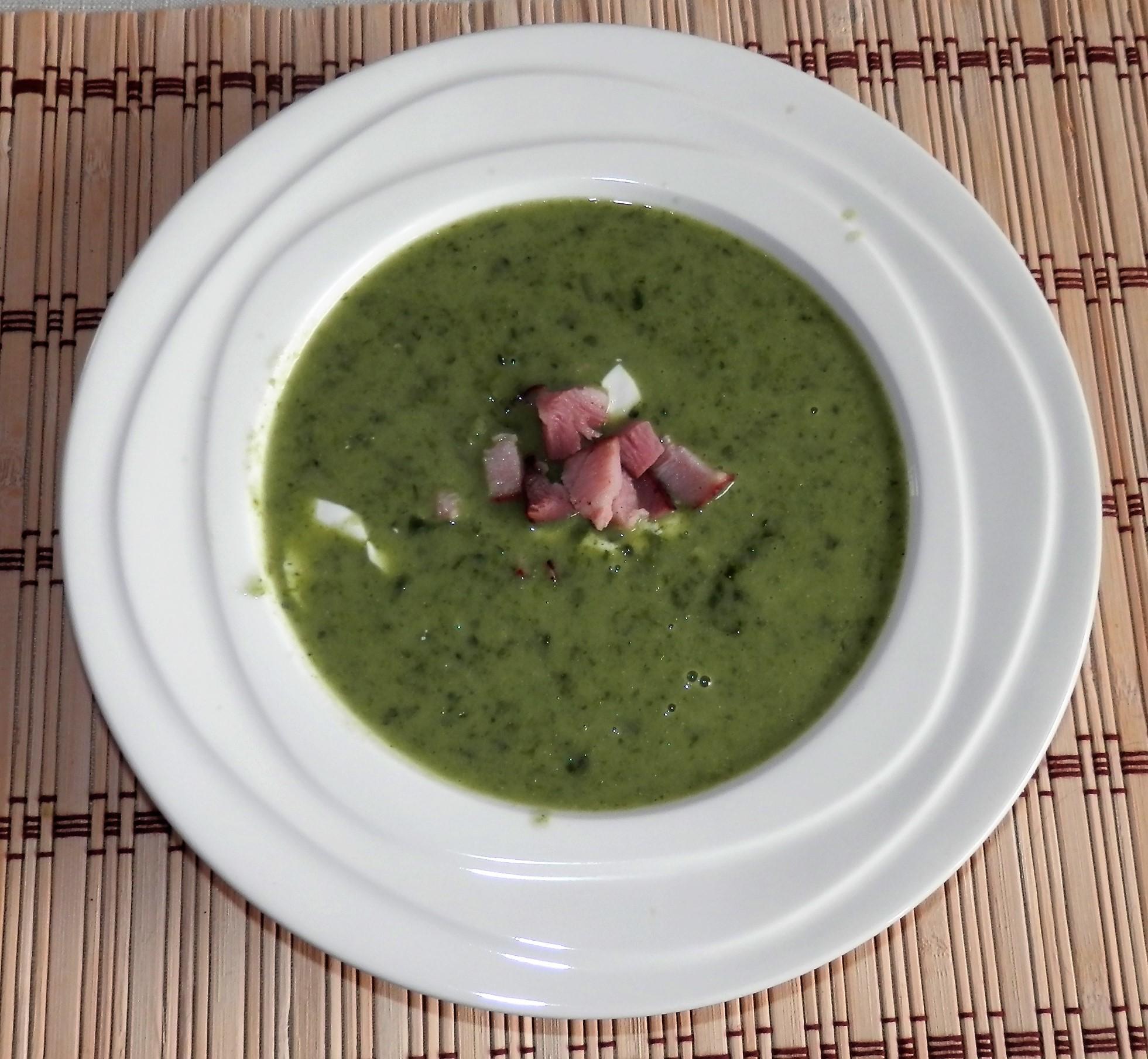 Krémová špenáto-fazolová polévka