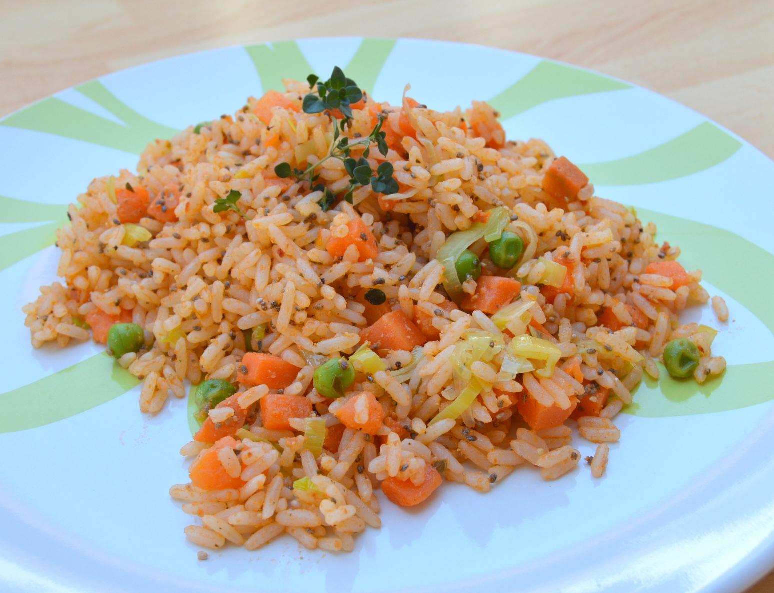 Zeleninová rýže s pestem