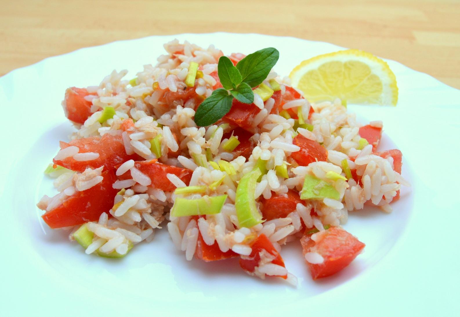 Rýžový tuňákový salát
