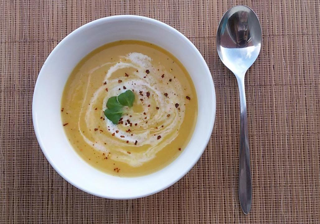 Mrkvová polévka s chilli a zázvorem