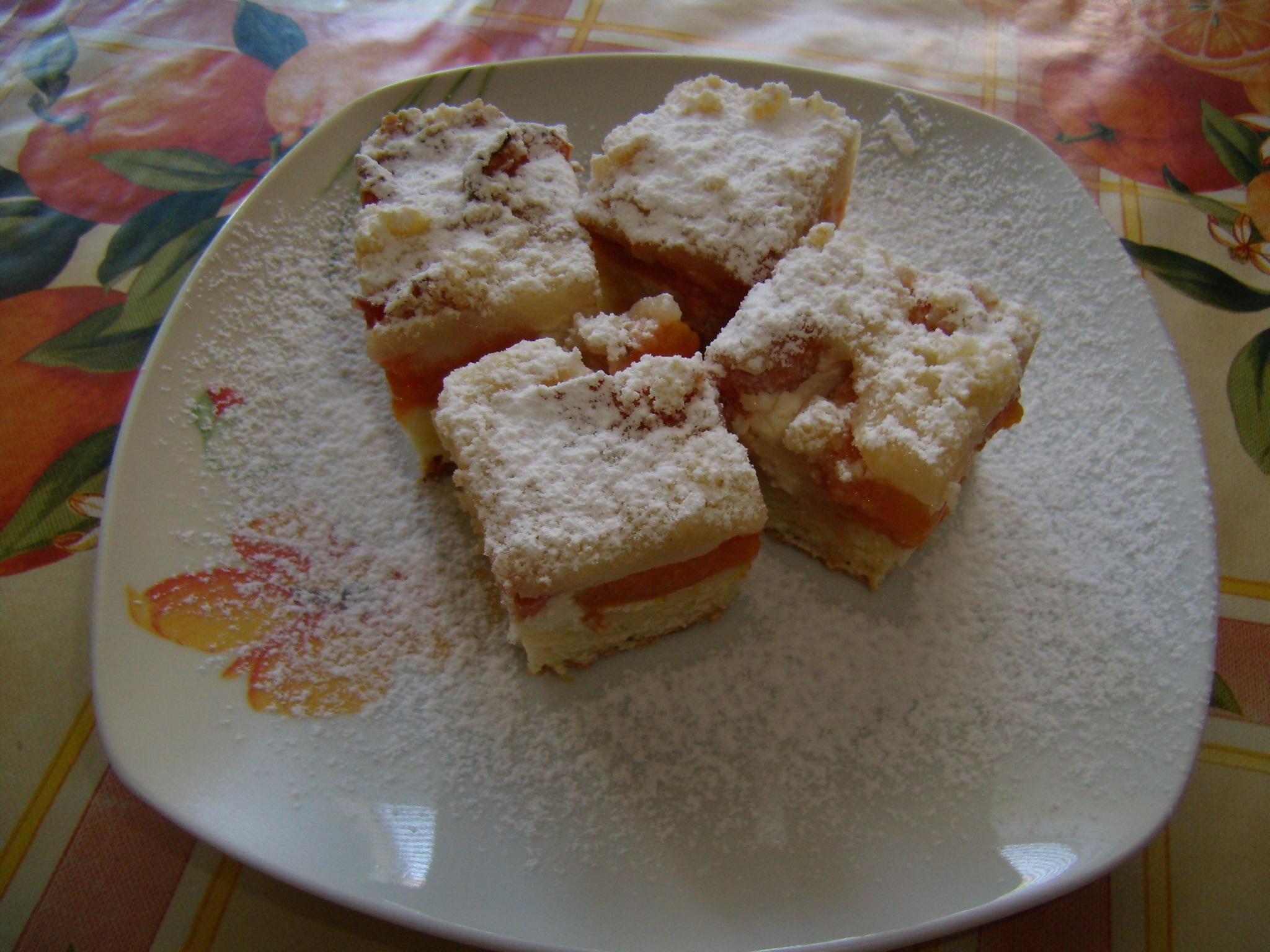Tvarohovo-meruňkový koláč