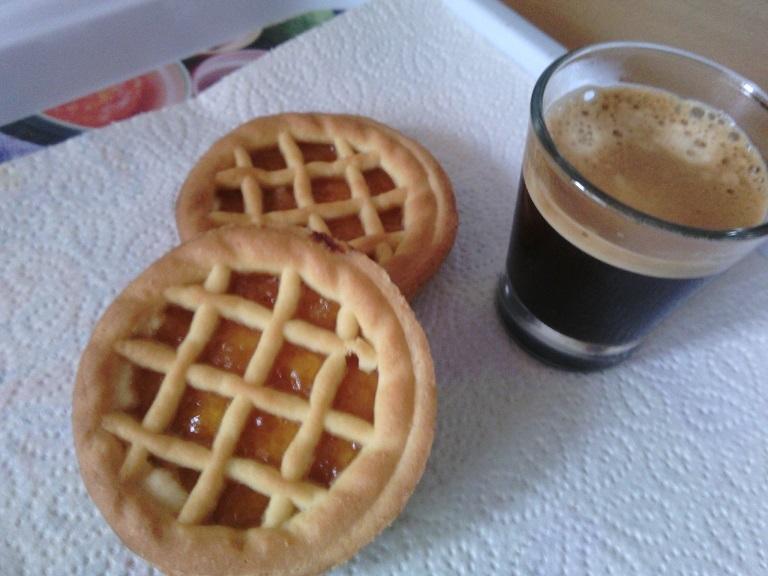 Smetanová mini crostata s marmeládou