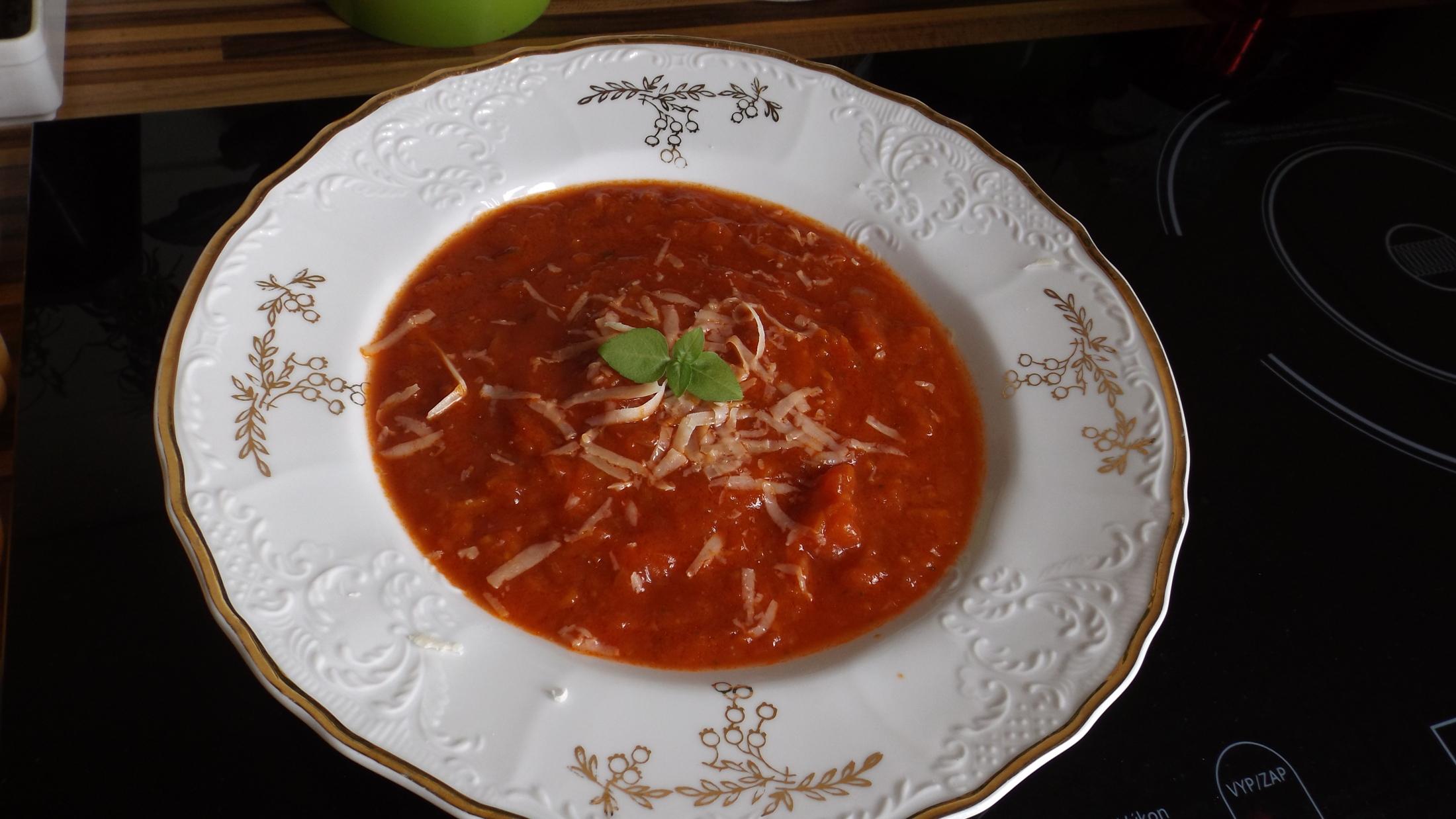 Rajčatová polévka nejen pro děti