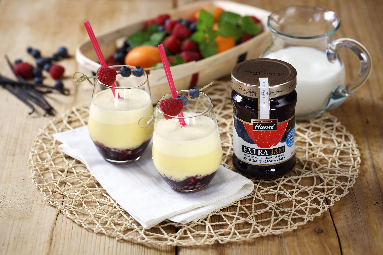 Fotografie receptu: Mléčný koktejl z lesního ovoce