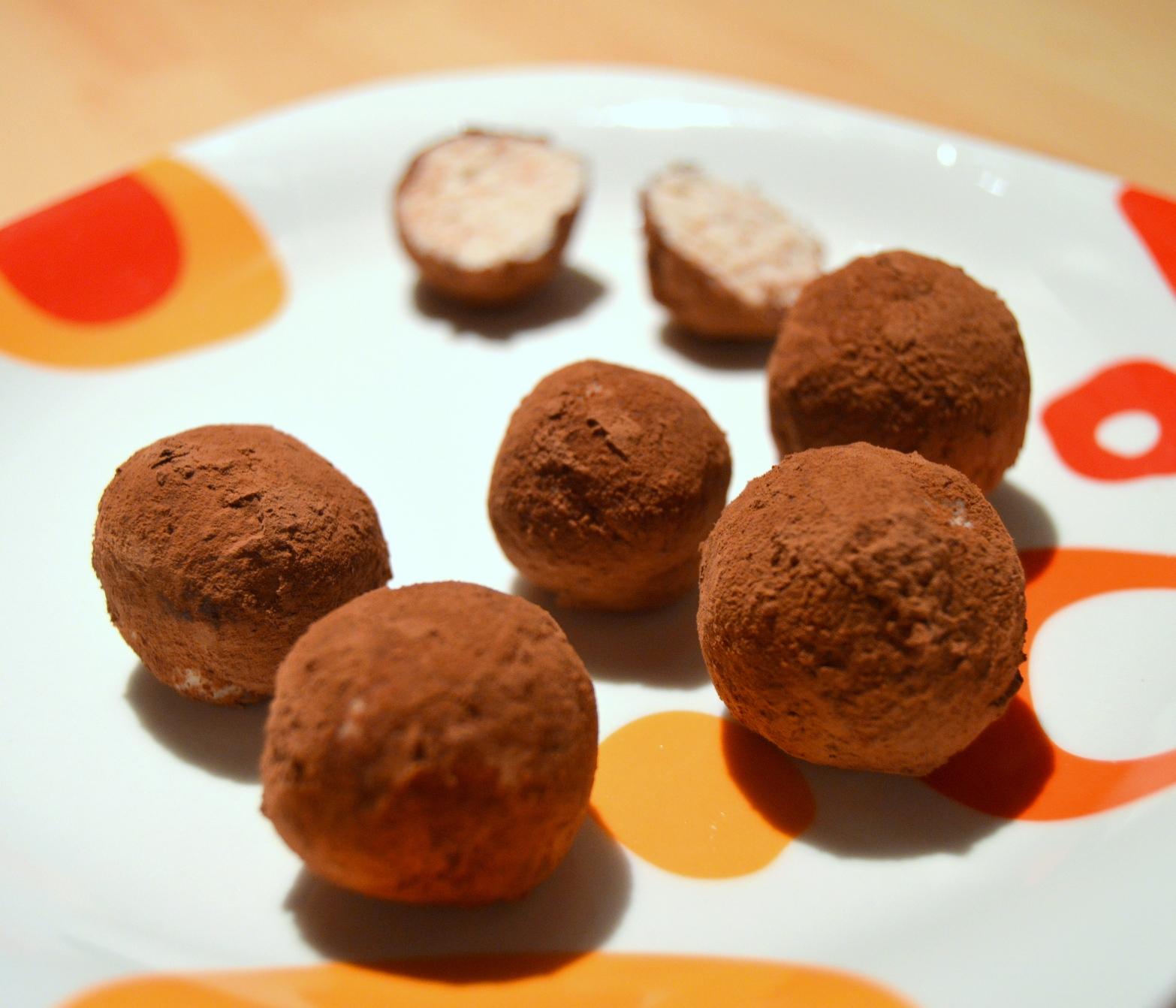 Mandlovo-kokosové raw kuličky