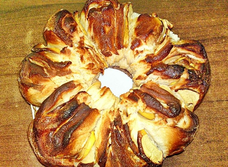 Novoroční jablková židovská chala