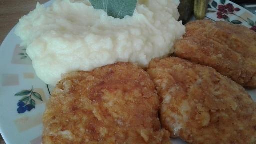 Sýrové placky s bramborovou přílohou