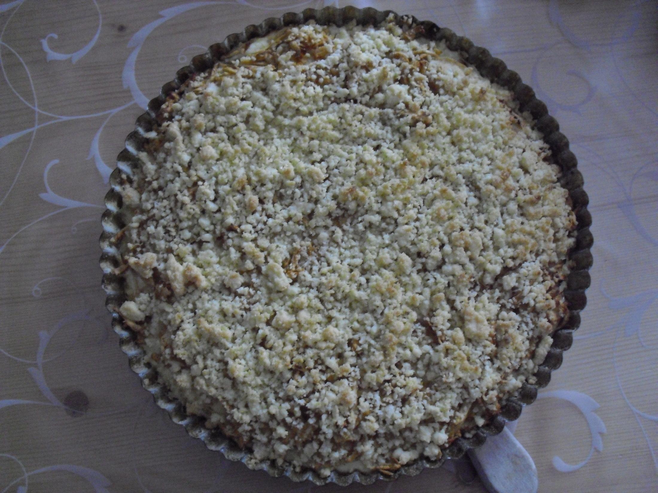 Vláčný drobenkový jablkový koláč