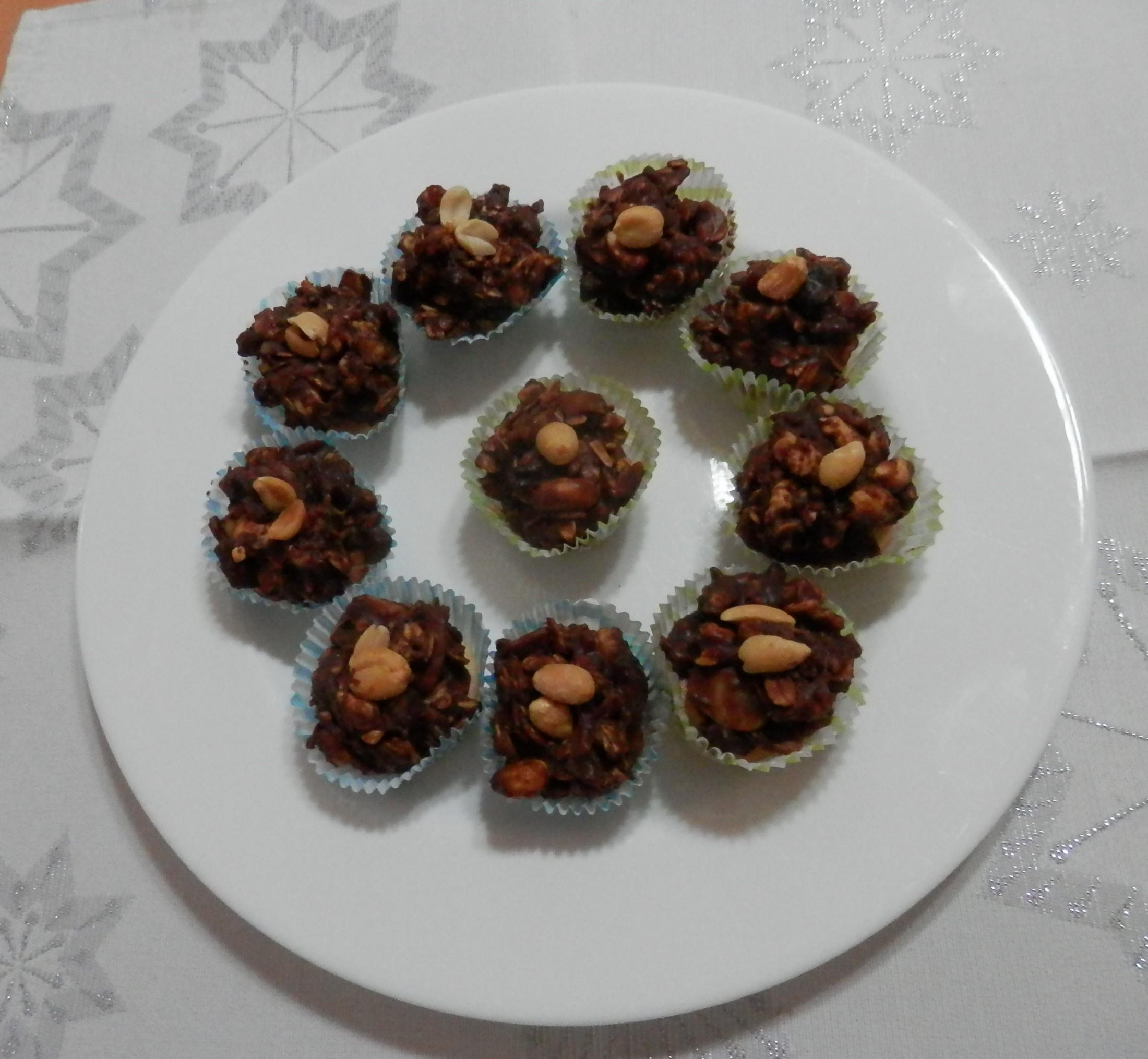 Ořechové hrudky s kandovaným ovocem