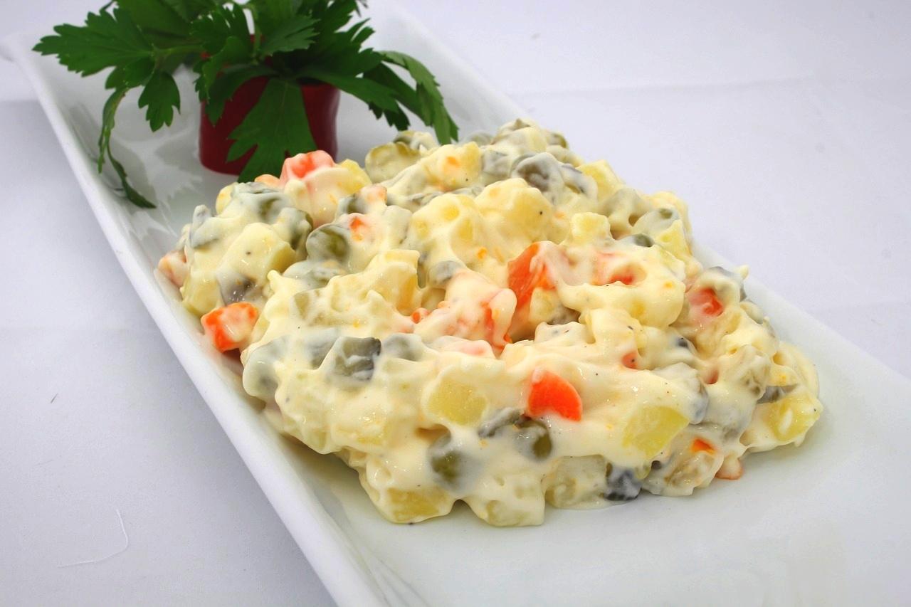 Fotografie receptu: Vánoční bramborový salát s petrželkou
