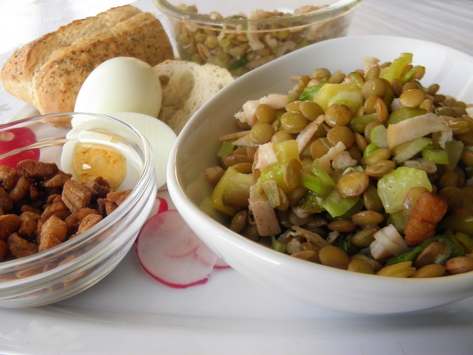 Fotografie receptu: Pestrý čočkový salát se zálivkou