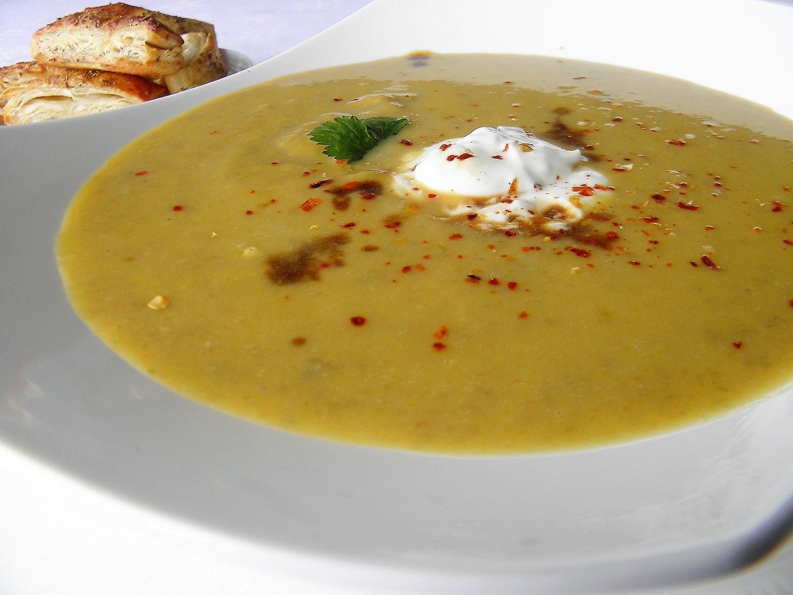Batátovo-čočková polévka se zázvorem