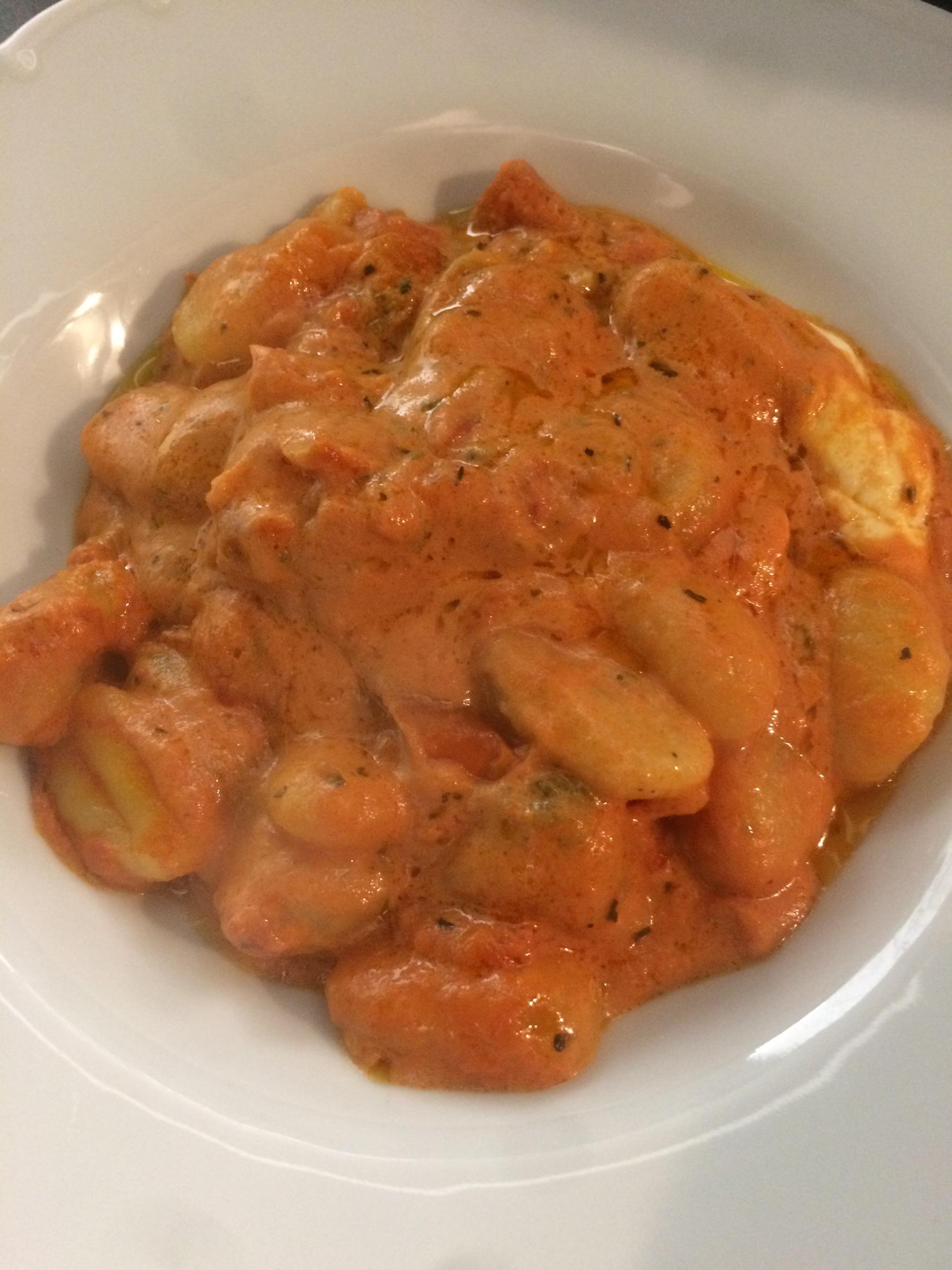Zapečené gnocchi s rajčaty