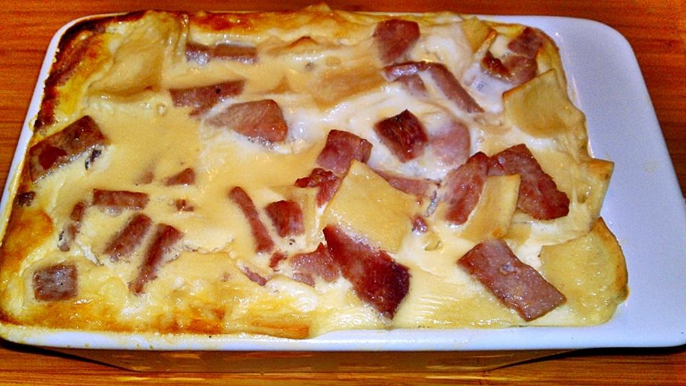 Zapékané šunkové flíčky se sýrovo-smetanovou zálivkou