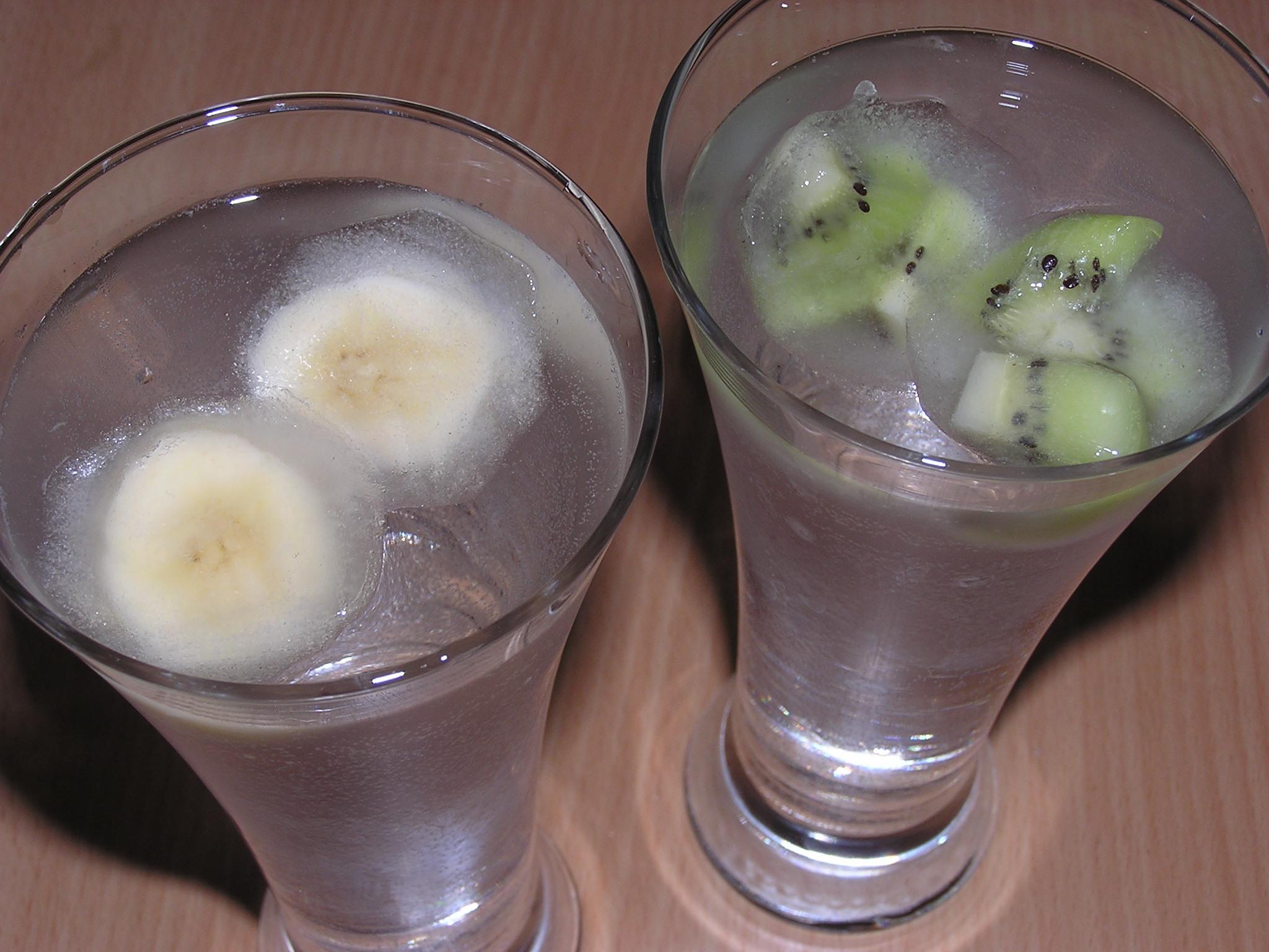 Ovocné kostky do nápojů