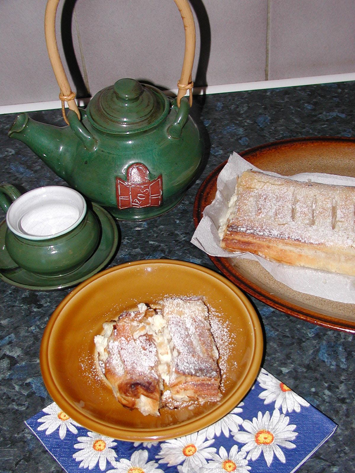 Fotografie receptu: Tvarohový závin s meruňkami