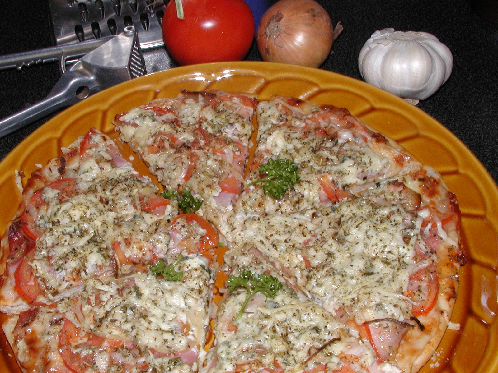 Pizza se slaninou a Nivou