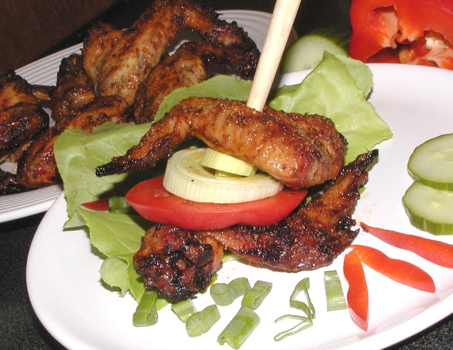 Fotografie receptu: Pečená křídla s česnekem