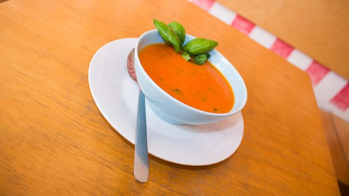 Rajčatový krém s bazalkou